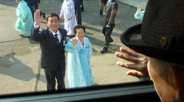 انتهاء لقاءات لم الشمل بين العائلات الكورية وسط تشاؤم بعدم اللقاء مجددا (فيديو)