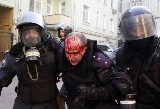 موسكو ستسلم شريطاً مصوراً للاوروبيين يؤكد تورط المتطرفين بأوكرانيا باعمال عنف (فيديو)