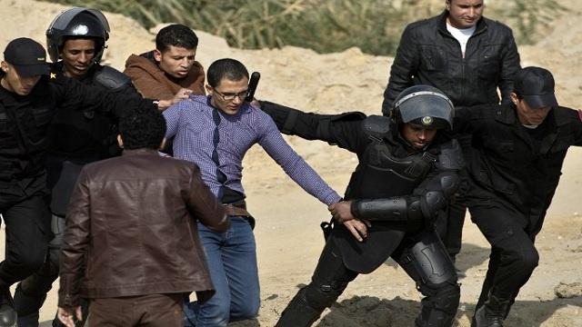 القبض على 5 من أنصار الإخوان أثناء محاولتهم عبور الحدود مع السودان