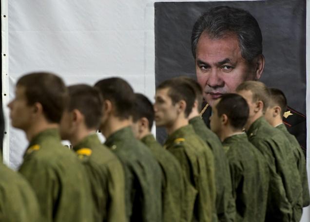 وزير الدفاع الروسي: نبحث في إقامة قواعد عسكرية جديدة في فيتنام وكوبا وفنزويلا ونيكاراغوا وجزر سيشيل وسنغافورا