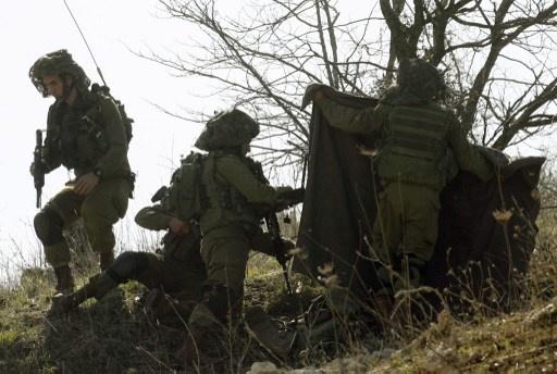 اسرائيل ترفع حالة التأهب على الحدود مع لبنان خشية من رد حزب الله
