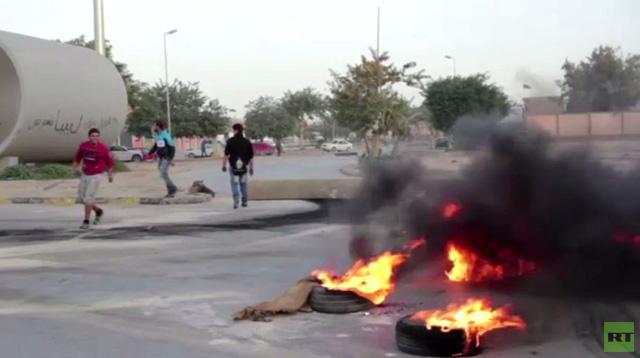 بالفيديو.. ليبيا: موجة غضب وإغلاق لشوارع بنغازي بعد مقتل شرطيين إثنين