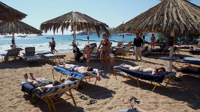شركة سياحة ألمانية تجمد رحلاتها إلى شرم الشيخ المصرية حتى منتصف الشهر المقبل