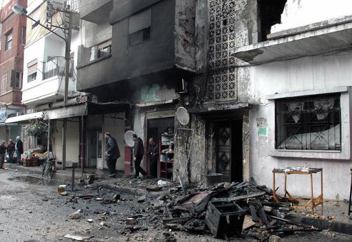 مقتل 5 واصابة 13 في سقوط قذيفة على حي سكني بحمص السورية
