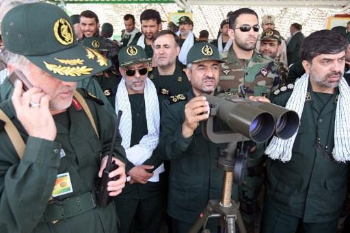 ايران تجري مناورات عسكرية واسعة في مناطق متفرقة من البلاد