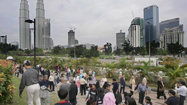 ماليزيا تستقطب 25.7 مليون سائح أجنبي خلال عام 2013
