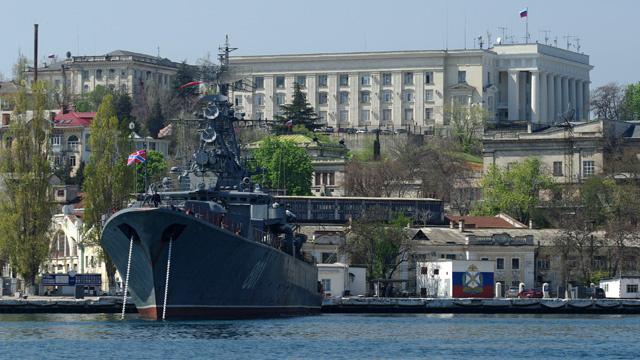 قيادي بأسطول البحر الأسود: عسكريونا لم يغادروا أماكنهم في جمهورية القرم