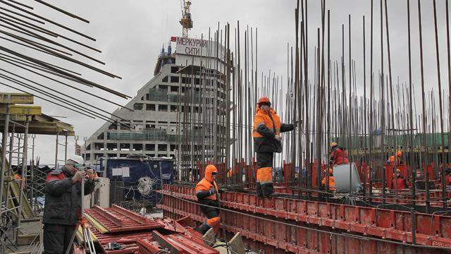 نمو الاستثمارات الأجنبية في روسيا بنسبة 10% خلال عام 2013