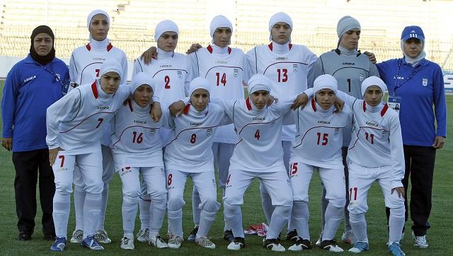 رسميا .. السماح بارتداء الحجاب في مباريات كرة القدم للسيدات