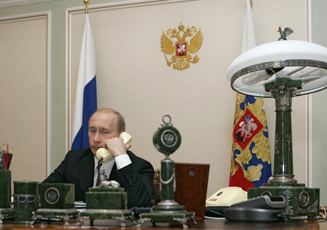 بوتين يؤكد ضرورة عدم السماح بمواصلة التصعيد في أوكرانيا