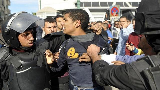 الأمن المصري يشتبك مع أنصار المعزول ويقبض على عدد منهم