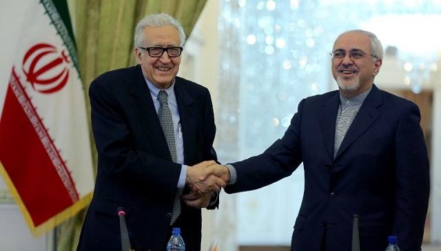 الإبراهيمي يصل طهران لبحث الأزمة السورية