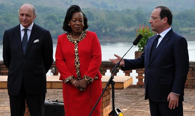 هولاند في بانغي يدعو إلى تجنب أي محاولة للتقسيم في شرق أفريقيا الوسطى