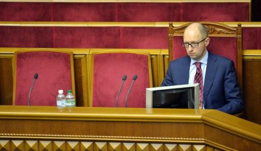 رئيس الحكومة الاوكرانية الجديد يدعو روسيا لاخراج القوات من القرم
