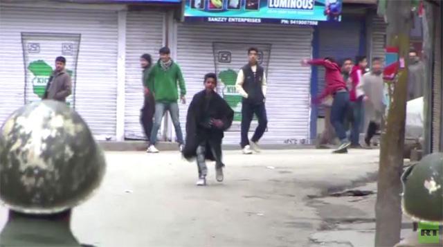 اشتباكات في سريناغار تتسبب بمقتل سبعة أشخاص (فيديو)