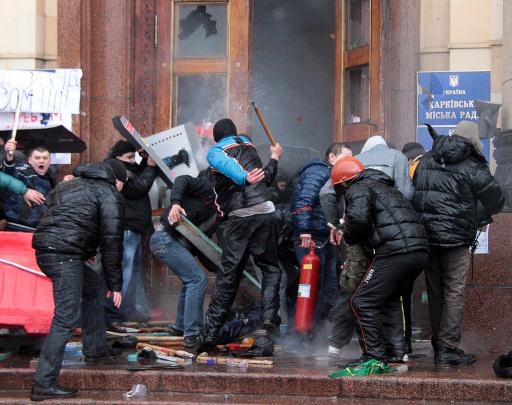 الكرملين: بوتين لم يتخذ بعد قرارا باستخدام القوات المسلحة في أوكرانيا