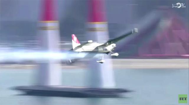 بالفيديو.. نخبة من أبطال العالم في سباق الاستعراضات الجوية بأبو ظبي