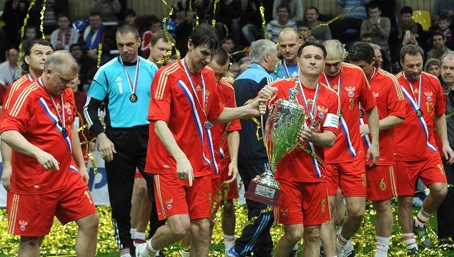روسيا تفوز بكأس أساطير كرة القدم للمرة السادسة تواليا