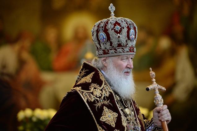 رئيس الكنيسة الأرثوذكسية الروسية يطالب رئيس أوكرانيا المعين بمنع أي تفرقة عنصرية أو طائفية في أوكرانيا