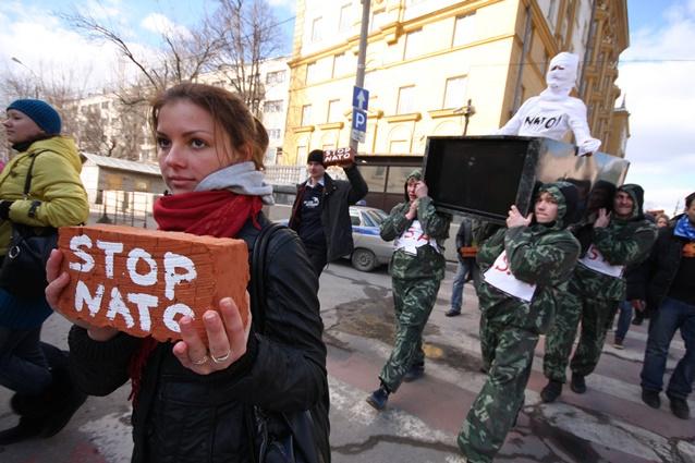 بوشكوف: على الغرب اتخاذ قرار مسؤول ازاء اوكرانيا وليس التصرف بروح الحرب الباردة ضد روسيا