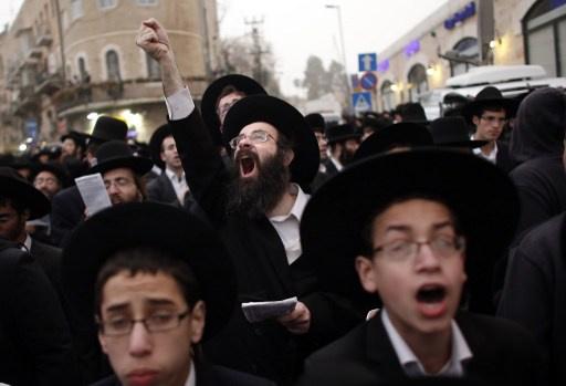 المتشددون اليهود يحتجون على الخدمة العسكرية الإلزامية