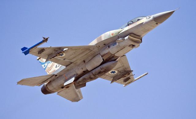 مقتل فلسطيني وإصابة ثلاثة آخرين في قصف إسرائيلي على بيت حانون شمال قطاع غزة
