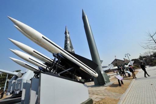 كوريا الشمالية تطلق صاروخا بالستيا ثالثا باتجاه البحر