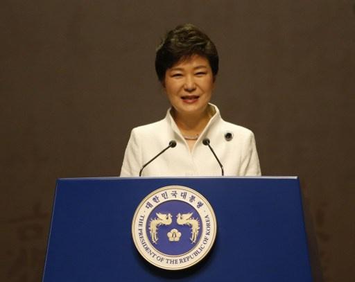 رئيسة كوريا الجنوبية تحث على المفاوضات حول لقاءات الأسر التي فرقتها الحرب