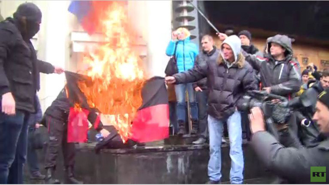 احتجاجات في أوديسا الأوكرانية ورفع العلم الروسي (فيديو)