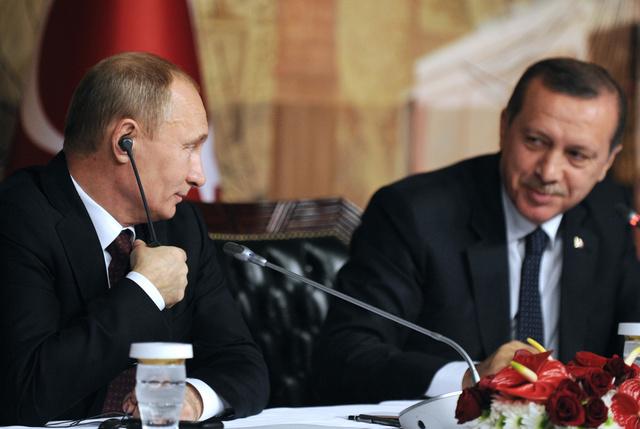 بوتين وأردوغان يؤكدان على إمكانية الحفاظ على السلام بين القوميات والطوائف في القرم