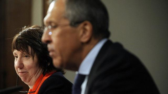 لافروف يؤكد لآشتون ضرورة إجراء إصلاح دستوري في أوكرانيا