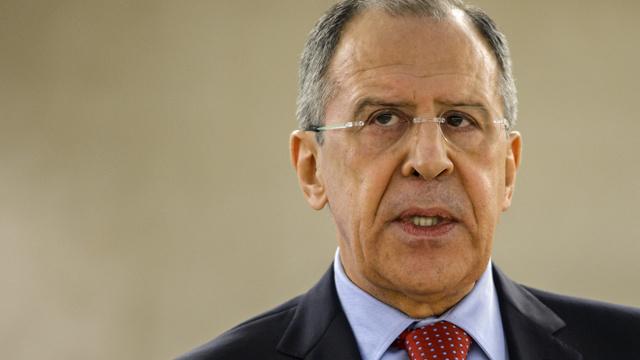 لافروف: روسيا لا تصدر الأوامر لقوات الدفاع الذاتي في جمهورية القرم