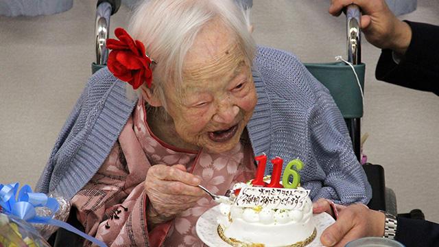 أكبر معمرة في العالم تحتفل بعيد ميلادها الـ 116