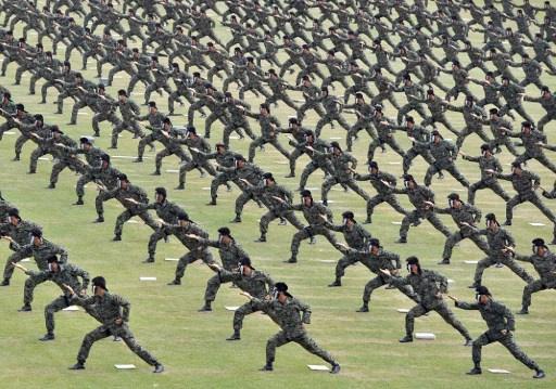 سيؤول تعتزم تقليص قواتها المسلحة بحلول عام 2022
