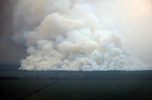 إصابة 11 شخصا بحروق في حريق وانفجار بمصنع لإنتاج المطاط الصناعي في سيبيريا
