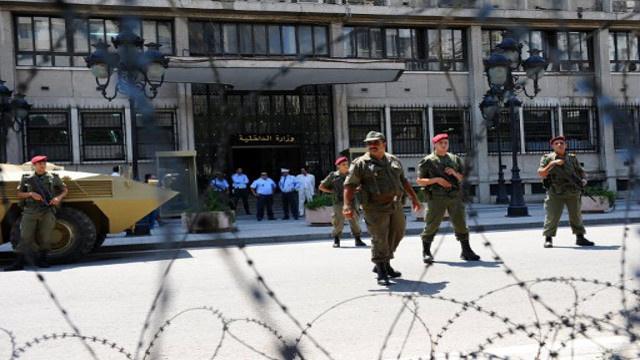 الرئيس التونسي يصدر قرارا برفع حالة الطوارئ