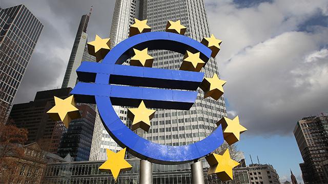 المركزي الأوروبي يبقي أسعار الفائدة الرئيسية دون تغيير واليورو يرتفع