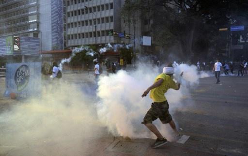 مقتل شخصين بمواجهات في كاراكاس