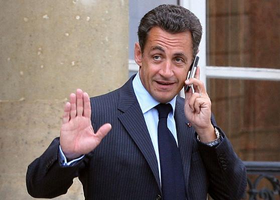 صحيفة: العدالة الفرنسية وضعت ساركوزي تحت التنصت للاشتباه بتمويل القذافي له