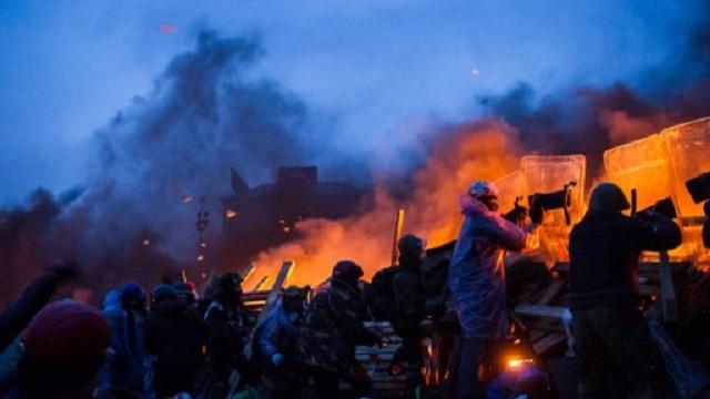 لافروف: ندعو للتحقيق في قضية القناصة وغيرها من الجرائم المرتكبة خلال الاحتجاجات في كييف