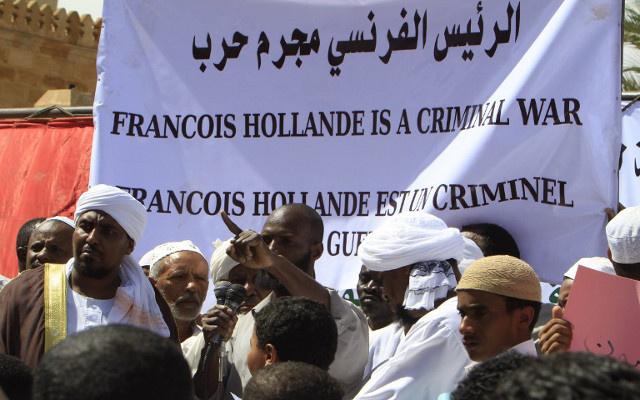 تظاهرة في الخرطوم احتجاجا على التواجد الفرنسي في إفريقيا الوسطى