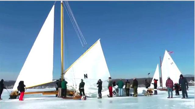 تزلج على الجليد ولكن بالقوارب الشراعية (بالفيديو)