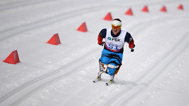 متسابق بياتلون يحرز لروسيا أول ذهبية في الدورة البارالمبية في سوتشي