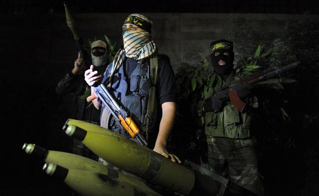 مقتل ناشط فلسطيني وإصابة آخرين في انفجار برفح