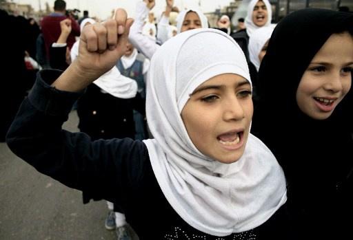 مظاهرة نسائية في بغداد ضد مشروع قانون يسمح بزواج الفتيات في سن التاسعة