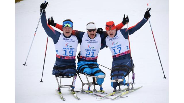 الروس يحتلون منصة التتويج في سباق التزلج لـ 15 كيلومترا بالدورة البارالمبية