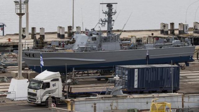 الجيش الإسرائيلي يعثر على 40 صاروخا على متن السفينة المحتجزة