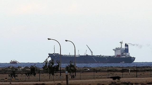 الولايات المتحدة تتهم مسلحين ليبيين بسرقة النفط