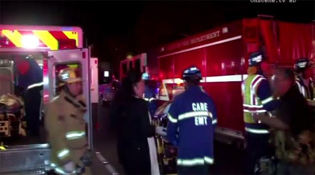 بالفيديو.. انهيار خشبة مسرح في إحدى الجامعات بكاليفورنيا