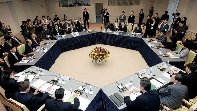 سيؤول تجري محادثات مع واشنطن وبكين عام 2014 حول نووي كوريا الشمالية